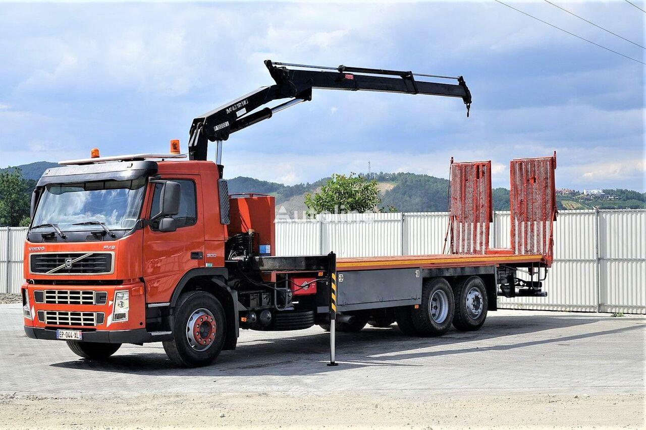 VOLVO  FM9 300 Abschleppwagen 8,90m + Kran *6x2* grúa portacoches