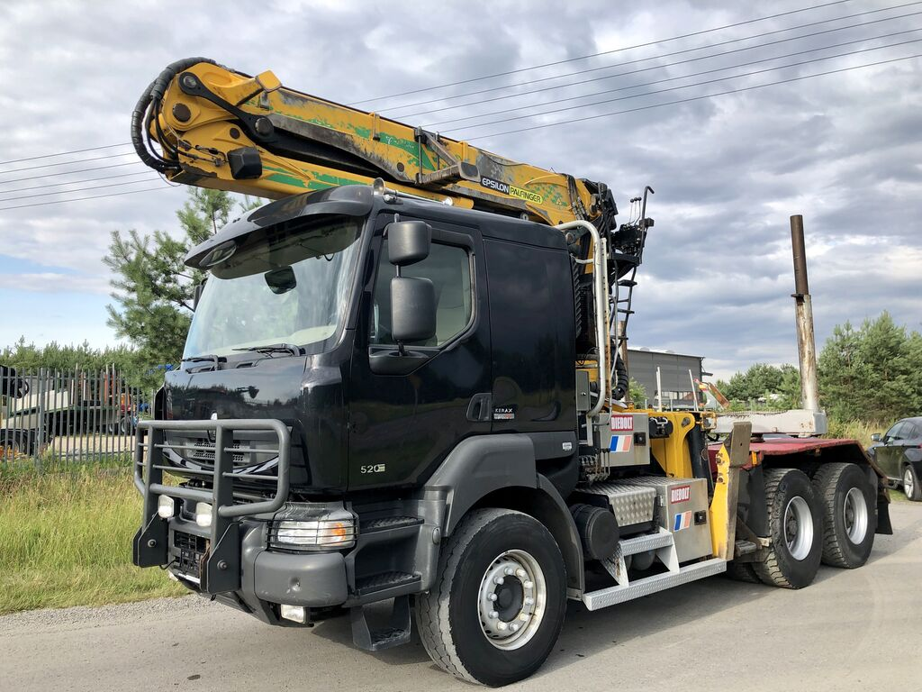 transporte de madera RENAULT Kerax DXi 520KM