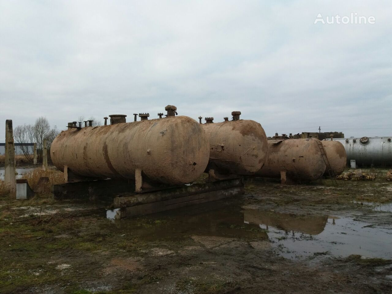 25000 liter storage tanks. 4 units cisterna de gas
