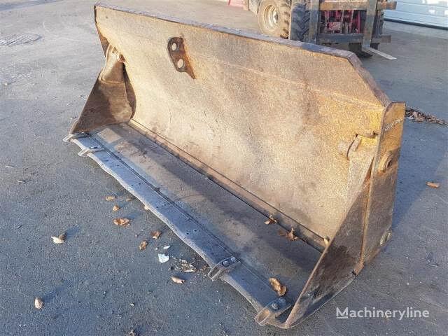 cuchara de cargadora frontal CASE 525 2,35m skovl