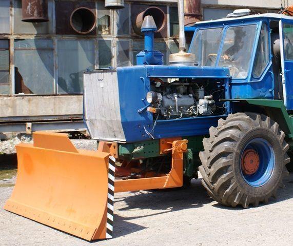 HTZ Buldozernoe oborudovanie (otval, lopata) na traktorah HTZ 150K hoja de bulldozer nueva