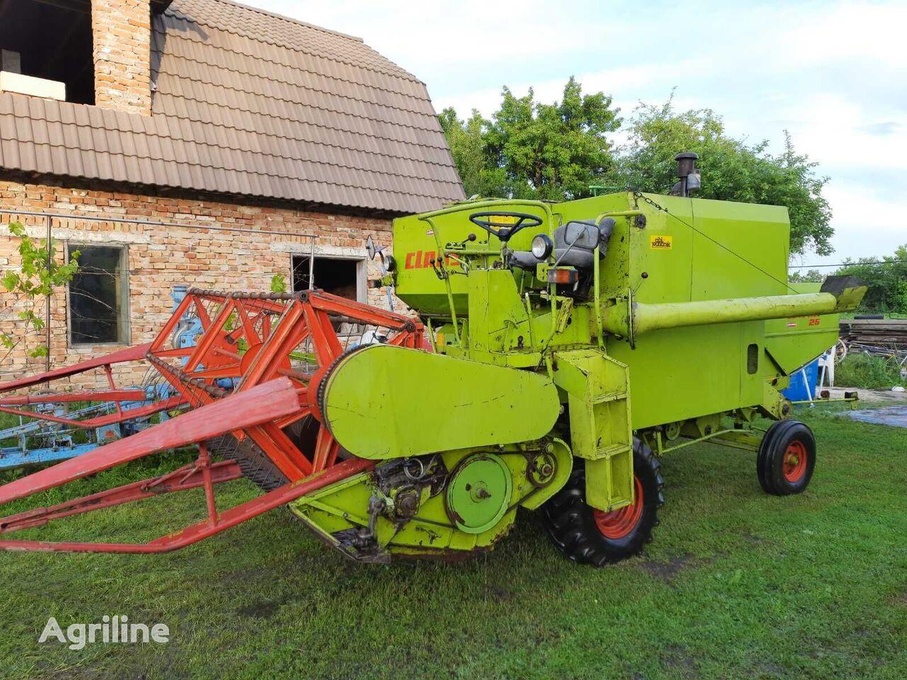 CLAAS Compact 25 cosechadora de cereales