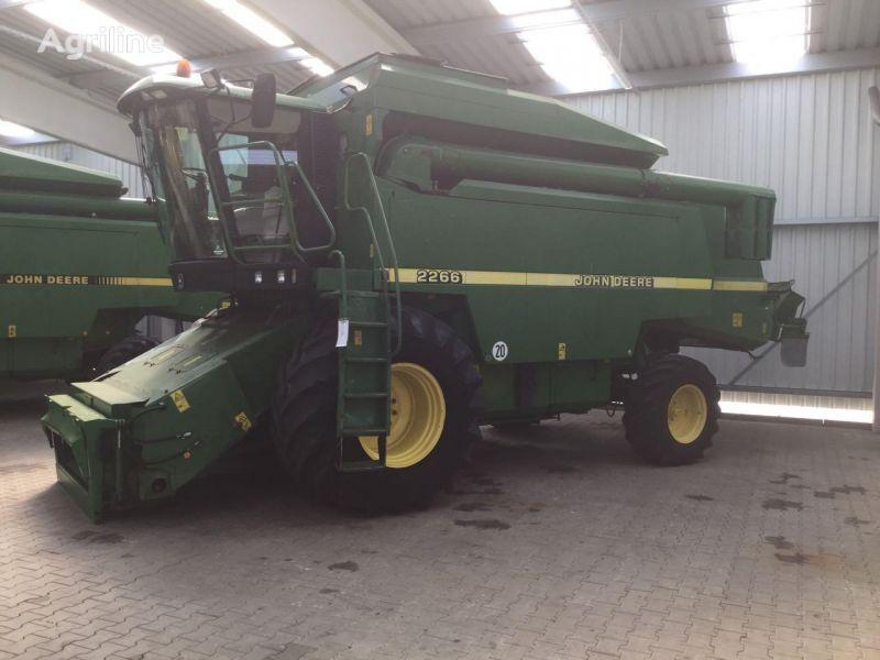 JOHN DEERE 2266 cosechadora de cereales