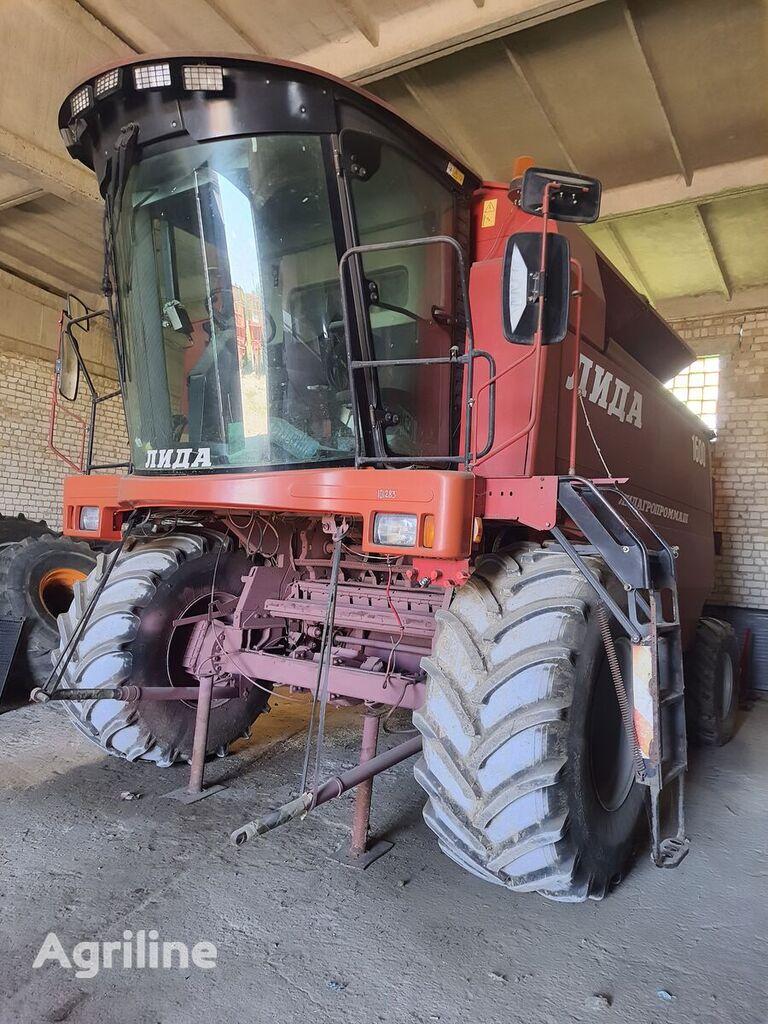 LIDAGROPROMMASH 1600 cosechadora de cereales