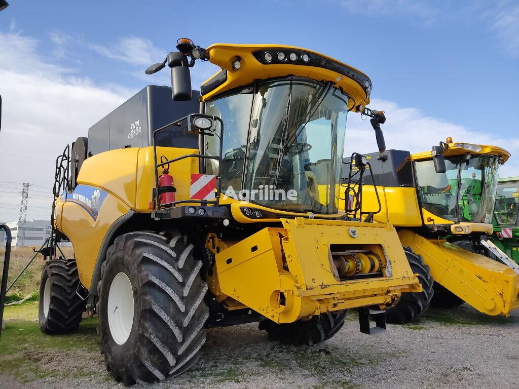 NEW HOLLAND CR7.90 cosechadora de cereales