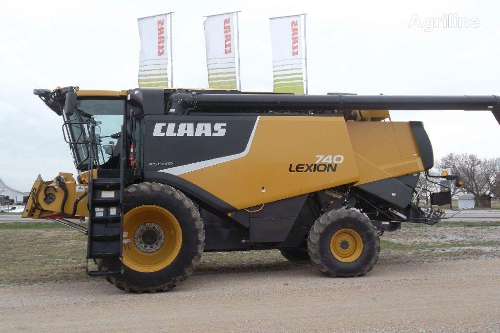 CLAAS Lexion 740 cosechadora