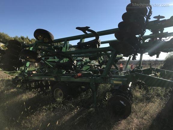 JOHN DEERE 2720 cultivador de rastrojo