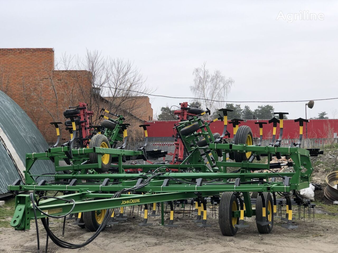 JOHN DEERE 1010 - 8 metrov cultivador