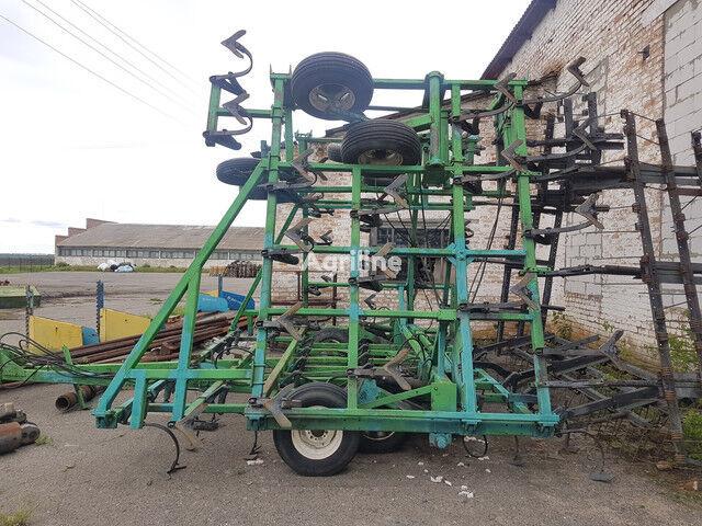 JOHN DEERE 2210 №1205 cultivador