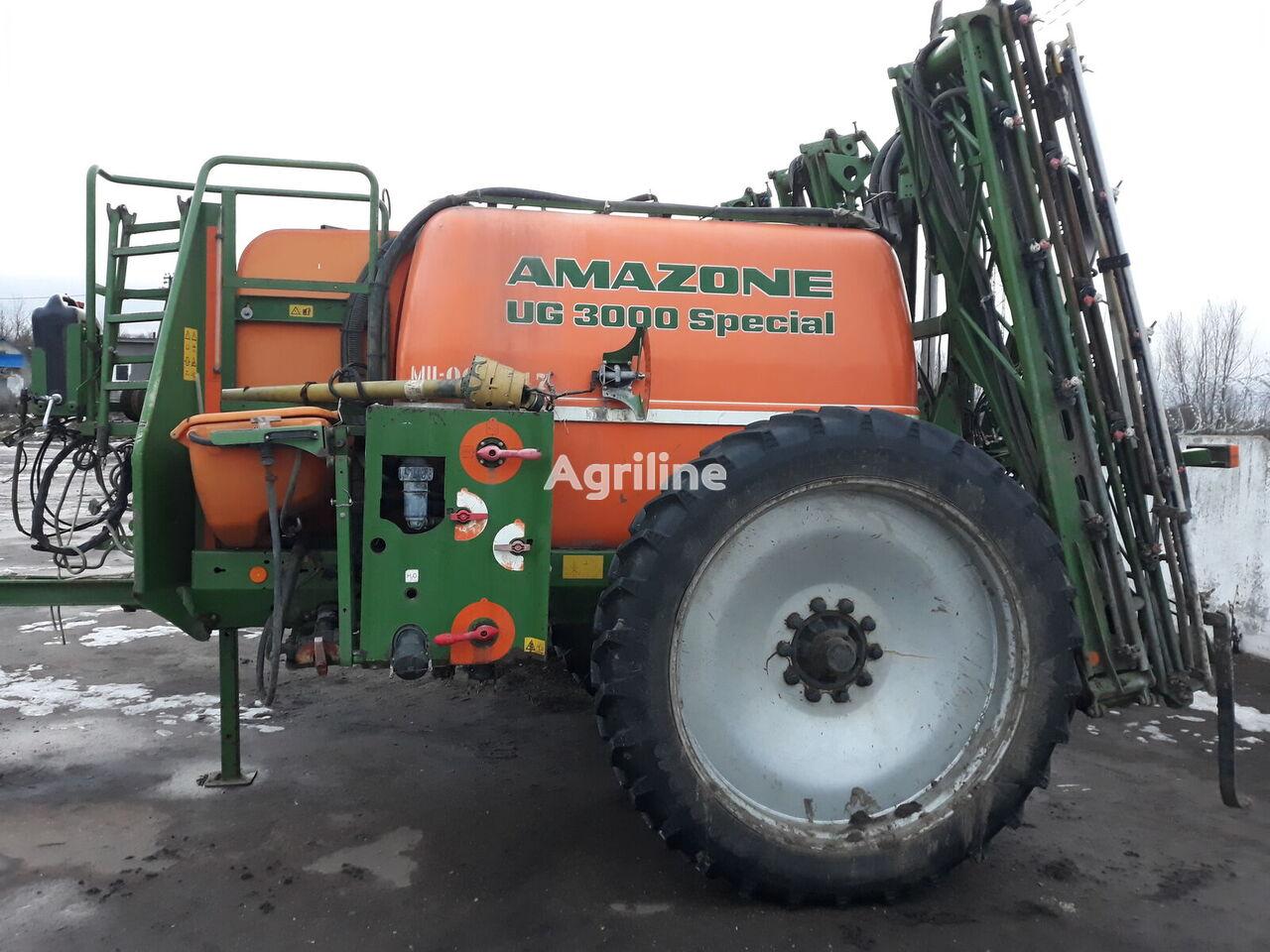 AMAZONE UG3000  pulverizador arrastrado