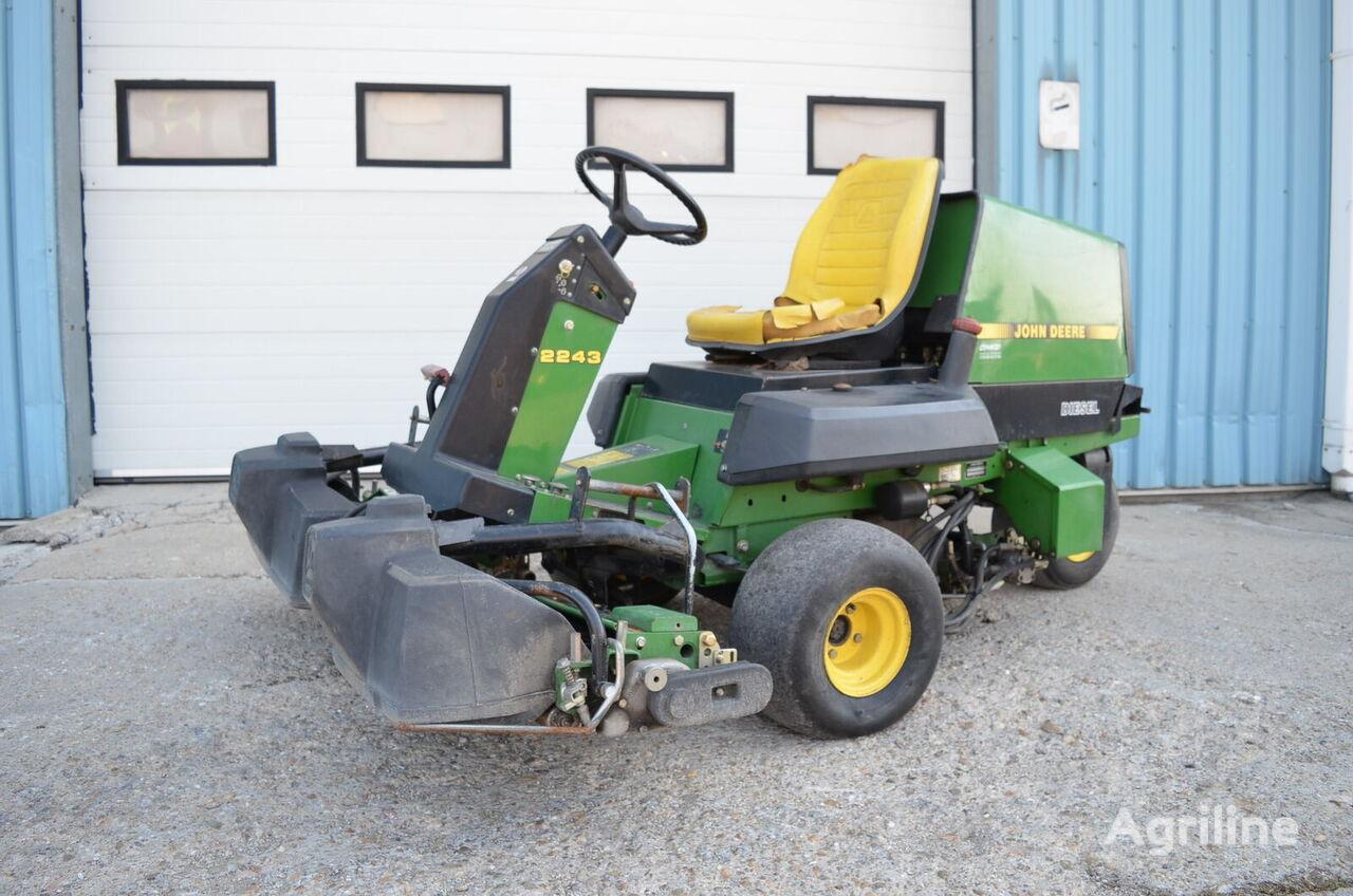 JOHN DEERE 2243 tractor cortacésped