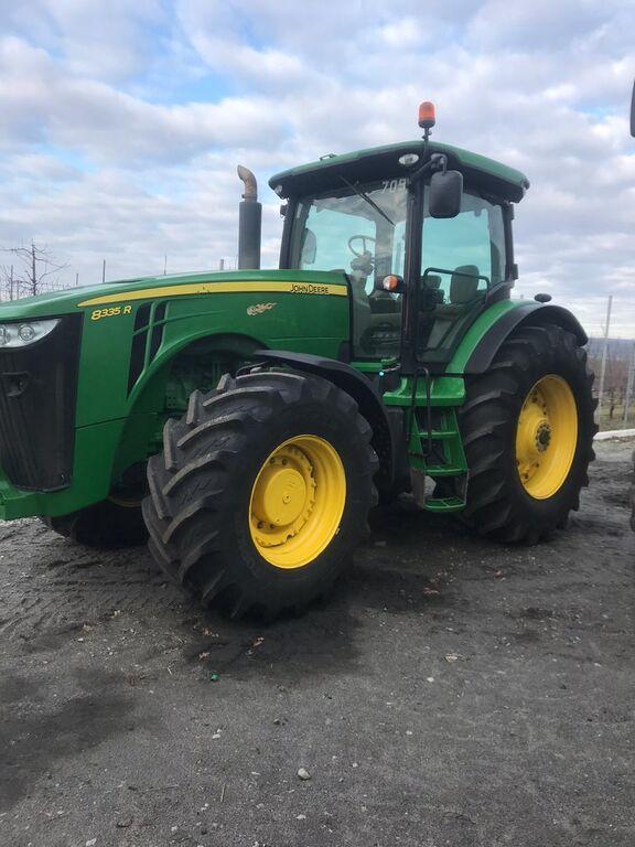 JOHN DEERE 8335 R tractor de ruedas