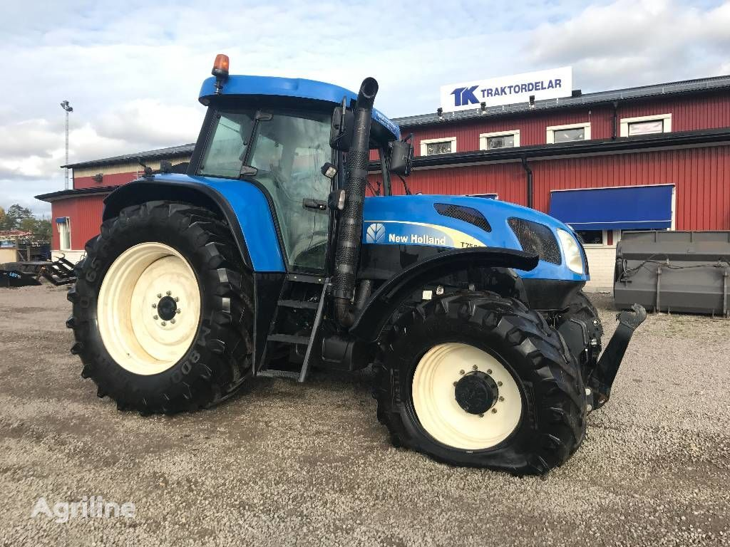 NEW HOLLAND T 7550 Dismantled for spare parts tractor de ruedas para piezas