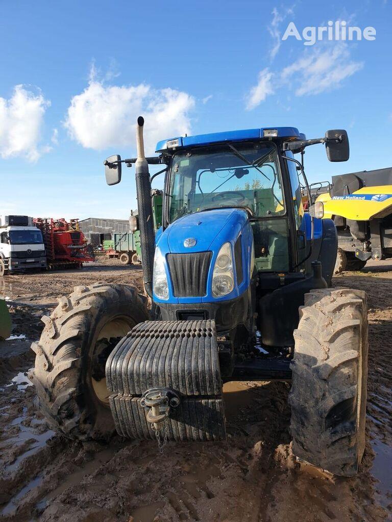 NEW HOLLAND TS 135A tractor de ruedas