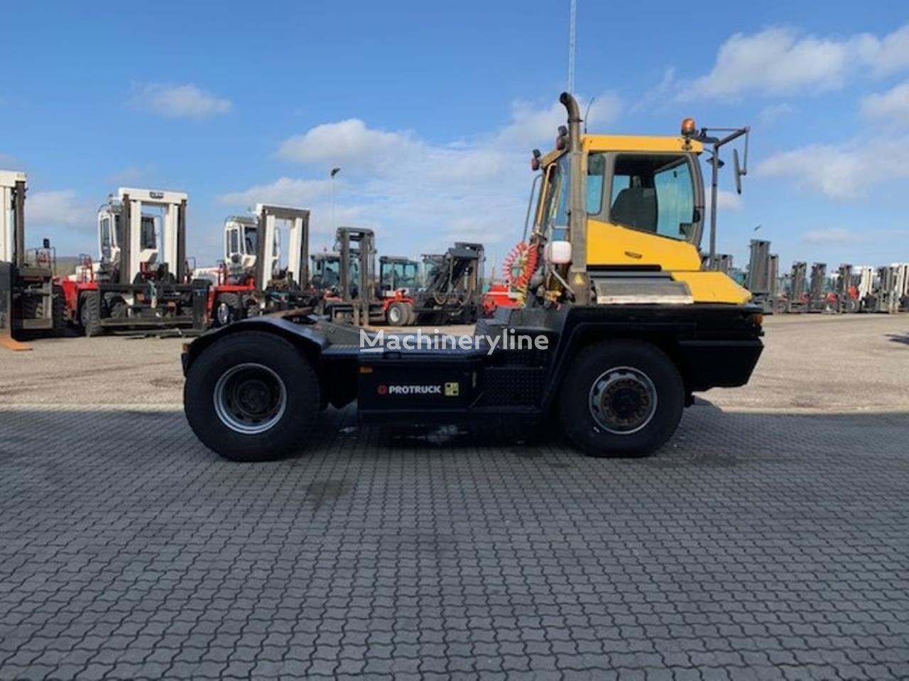 RoRo tractor TERBERG RT282