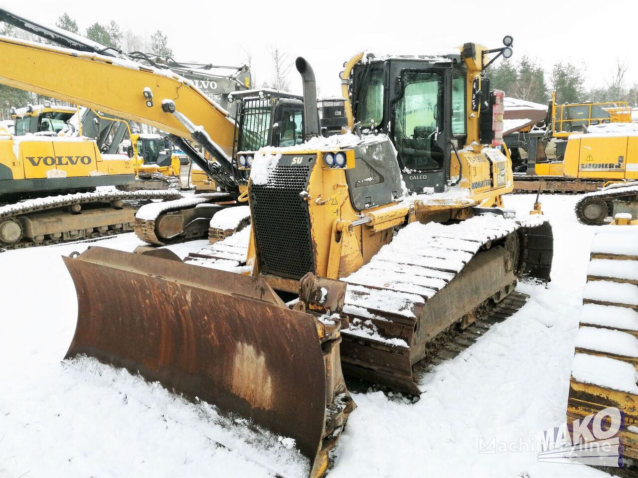 KOMATSU D61PX-15 bulldozer