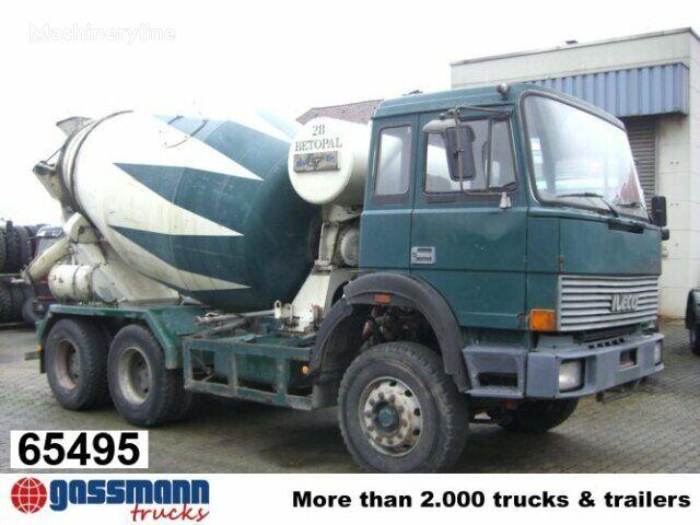 camión hormigonera IVECO 260 / -25 AHB