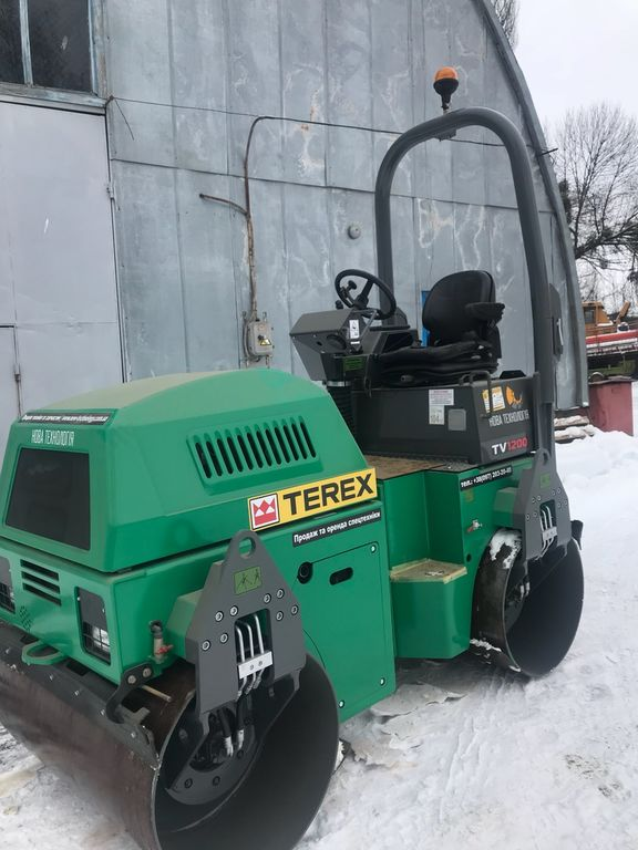 compactador de asfalto TEREX TV1200 (V NAYaVNOSTI)