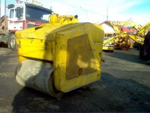 Walec drogowy compactador manual