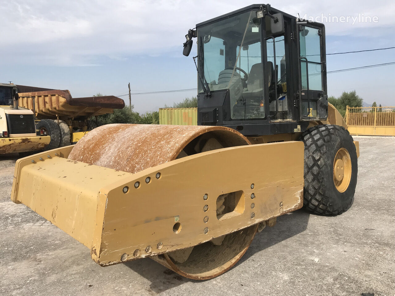 CATERPILLAR CS 76 XT compactador
