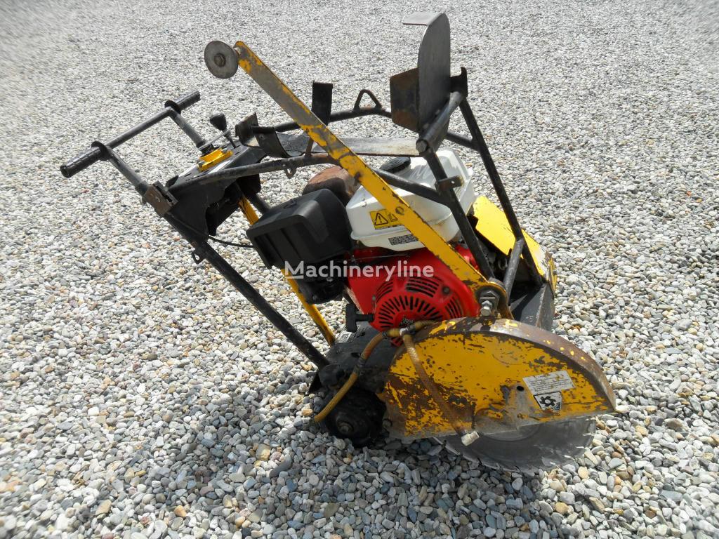 Řezačka NTC RZ 170 cortadora de asfalto
