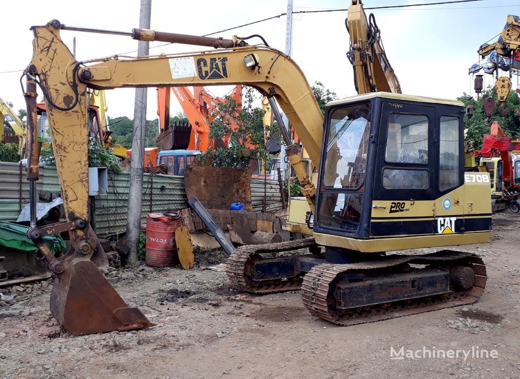 CATERPILLAR E70B excavadora de cadenas