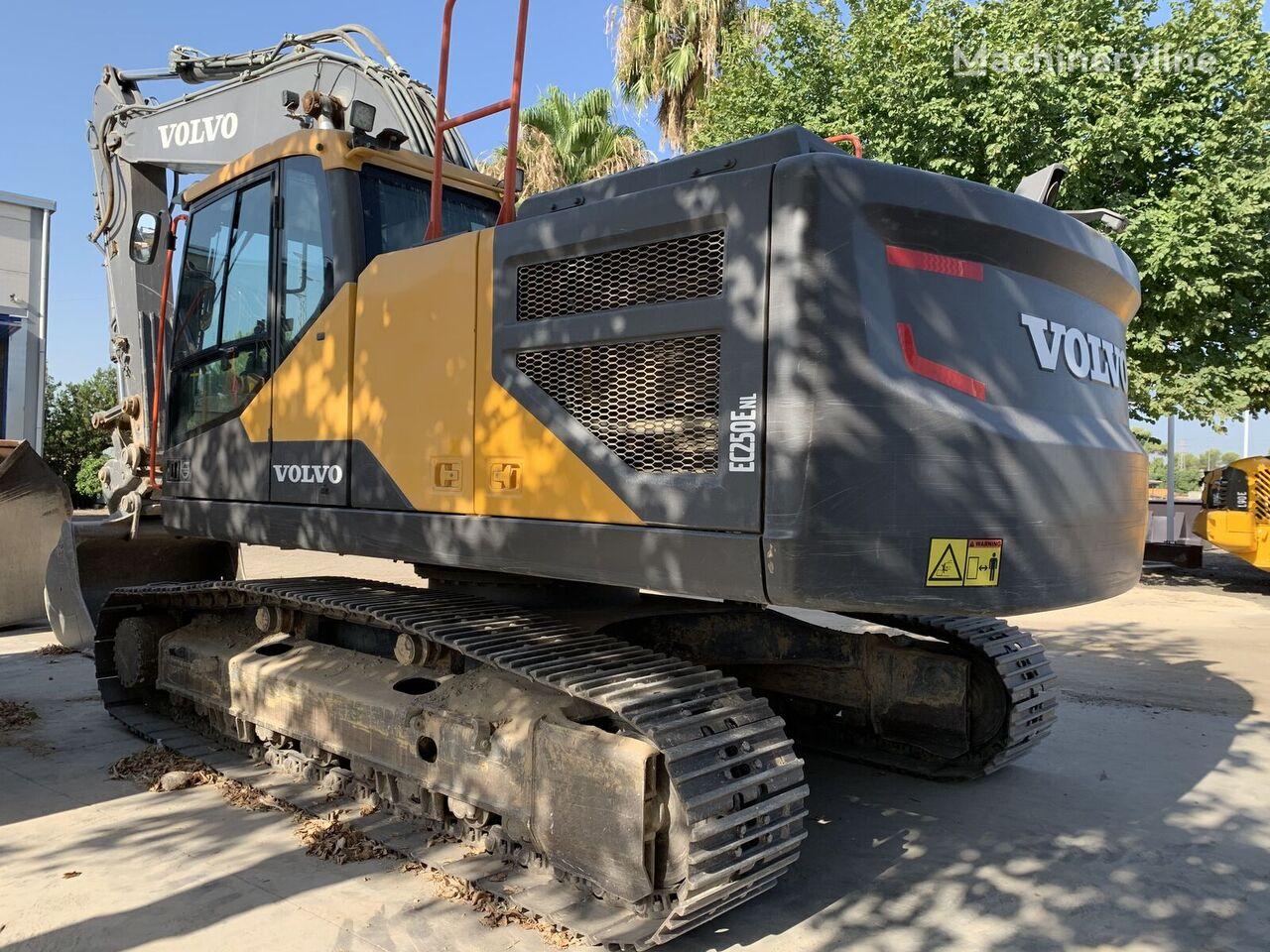VOLVO EC250E excavadora de cadenas