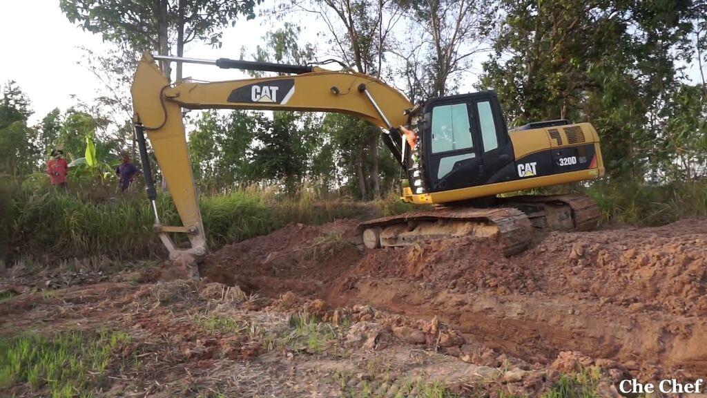 CATERPILLAR 323DL excavadora de orugas