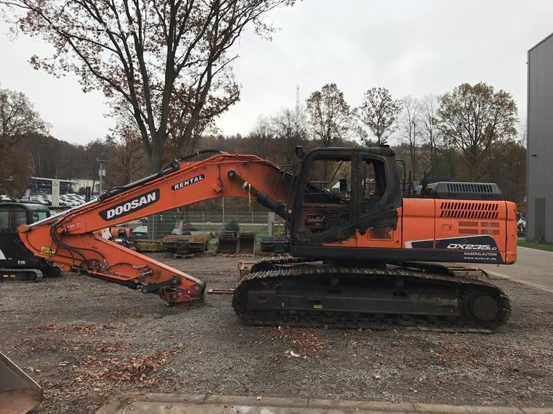 DOOSAN DX 235 excavadora de orugas