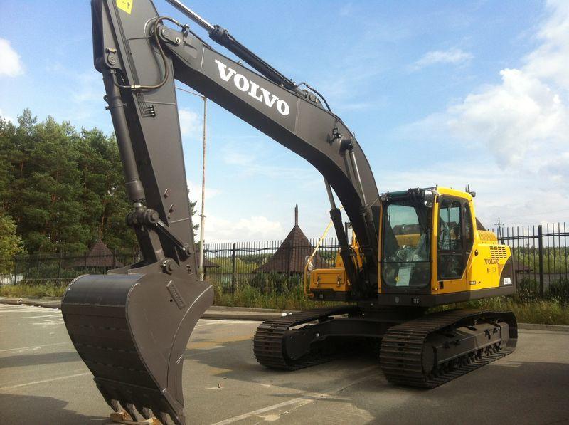 VOLVO EC210B excavadora de orugas nueva