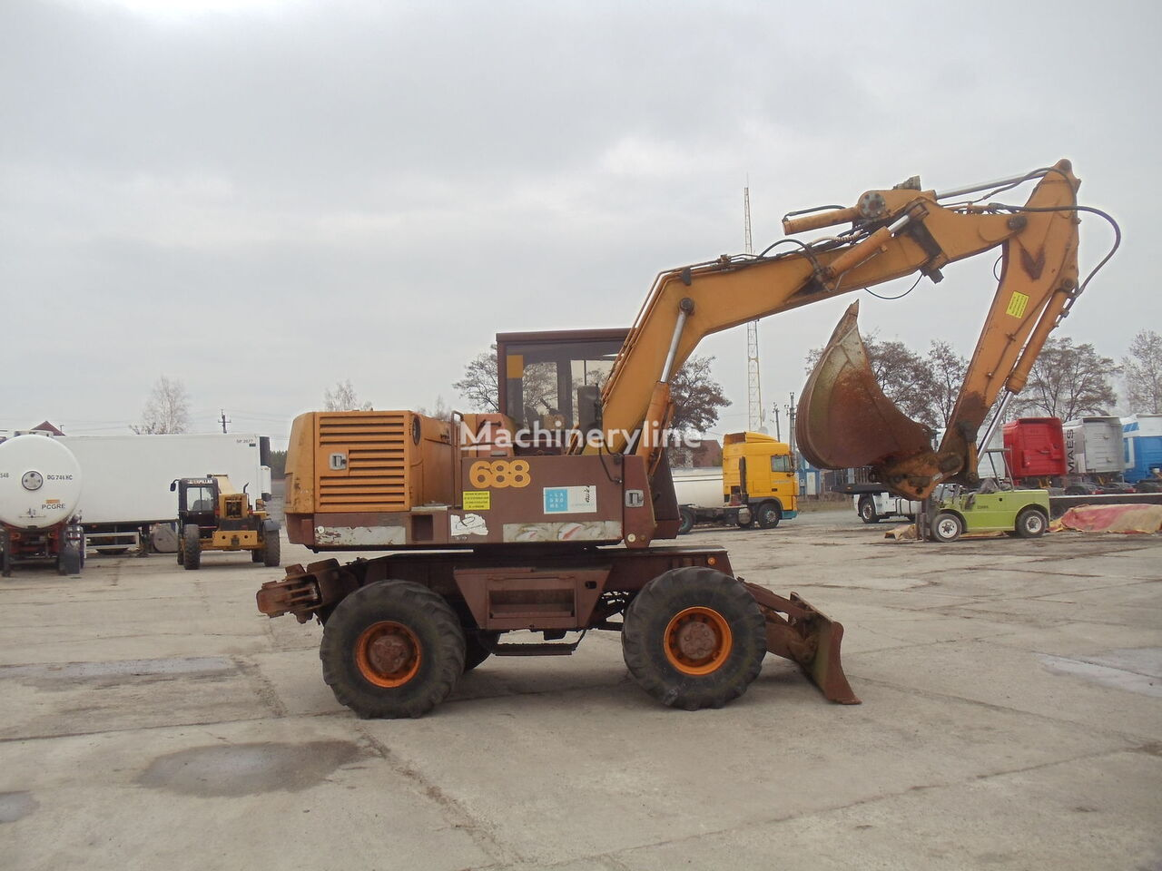 CASE 688 excavadora de ruedas