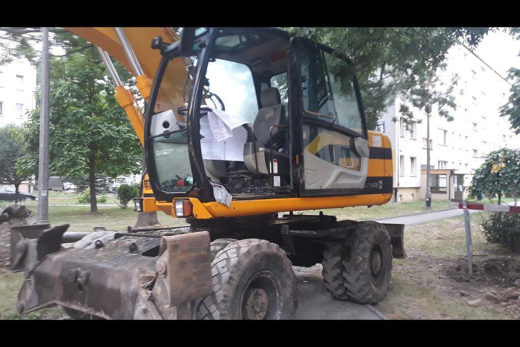 JCB JS 145 excavadora de ruedas