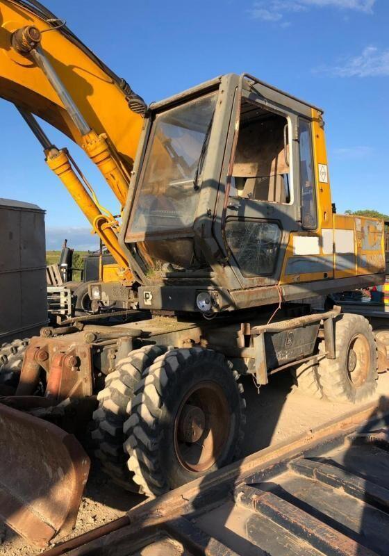 JCB JS150W excavadora de ruedas