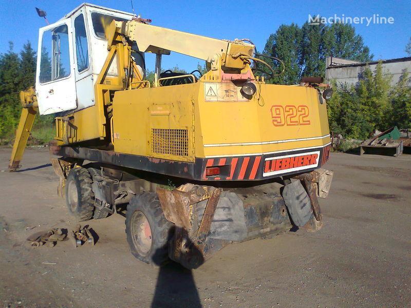 LIEBHERR 922 excavadora de ruedas para piezas