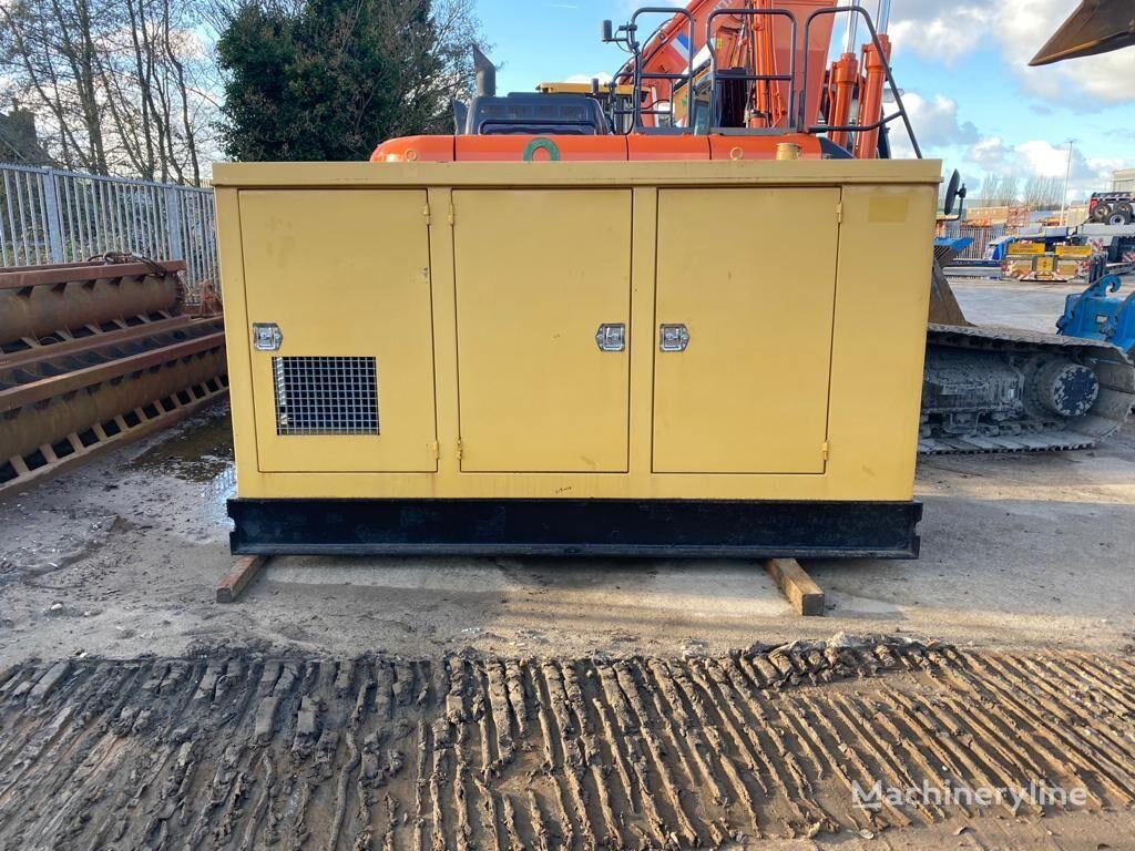 CATERPILLAR 3208 máquina de perforación