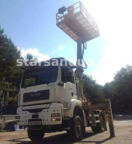 MAN TGA 18.310 4X4 Platform 360 1000kg plataforma sobre camión