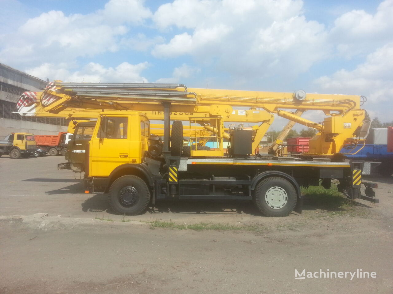 MAZ 5337A2 AGP-30-4  30m plataforma sobre camión