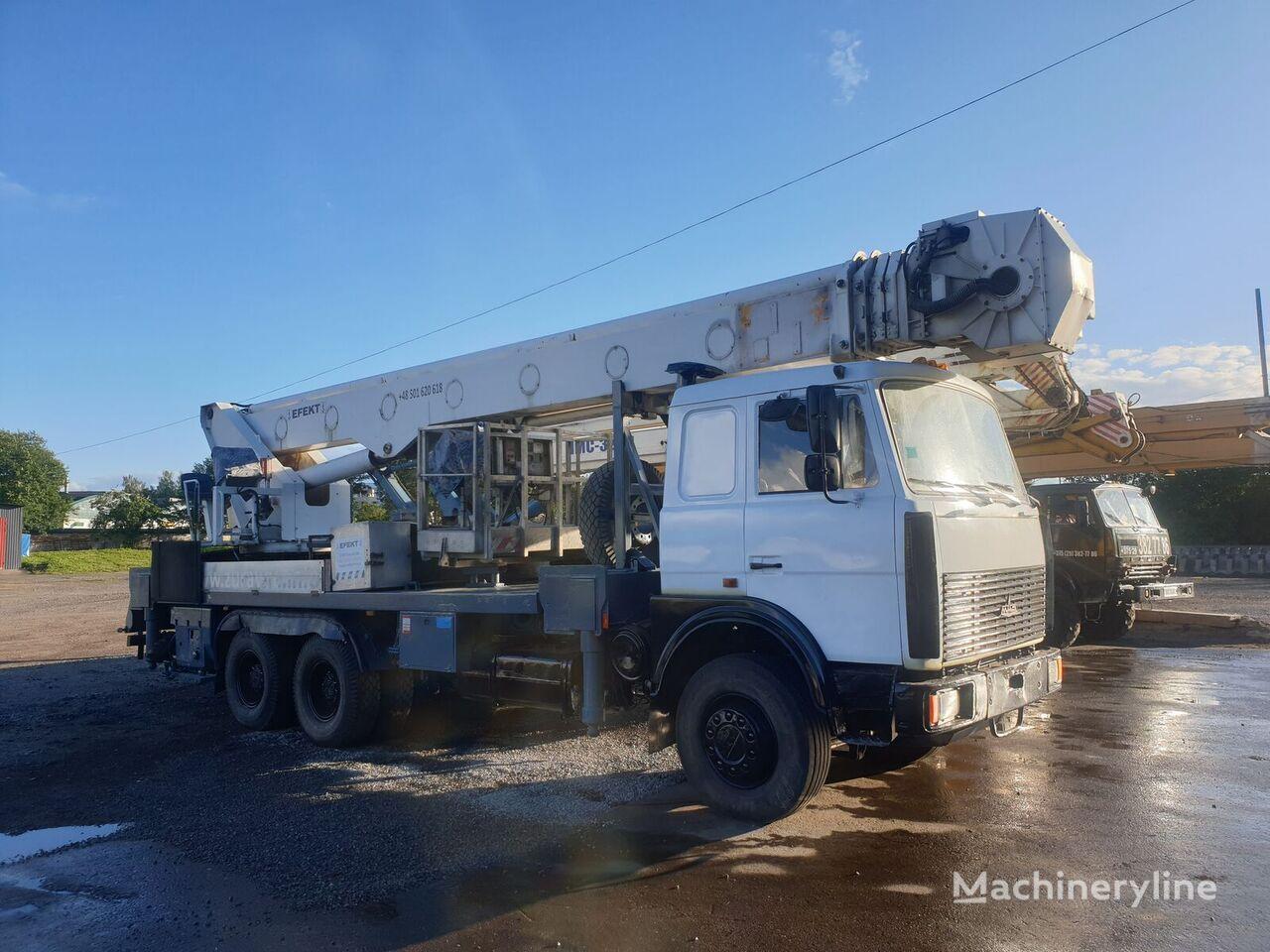 MAZ 6303A8-328  MULTITEL 40m plataforma sobre camión
