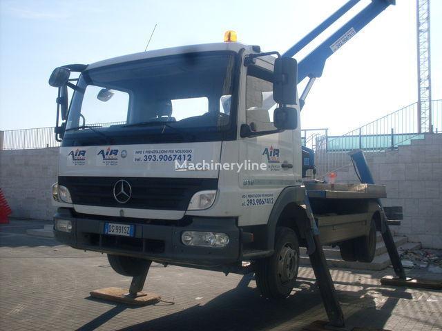 MERCEDES-BENZ ATEGO plataforma sobre camión