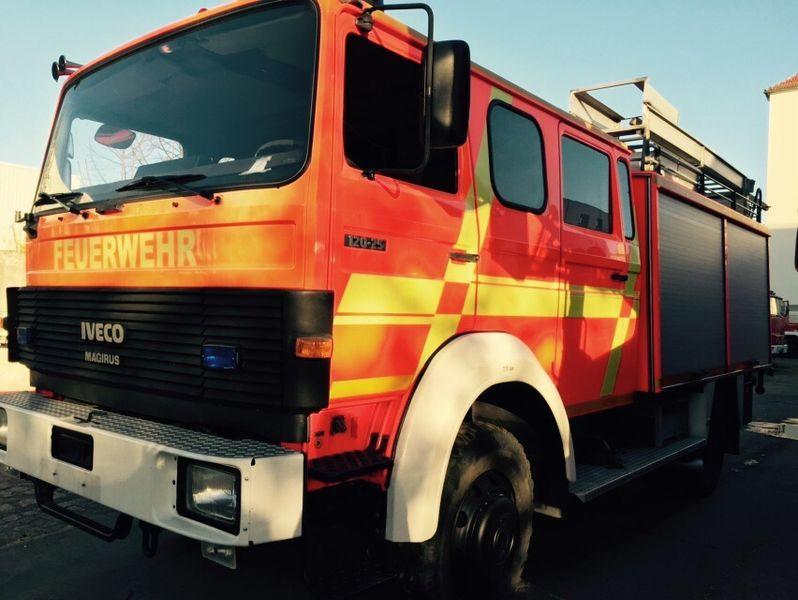 IVECO HLF Typ 120-25 4x4 camión de bomberos