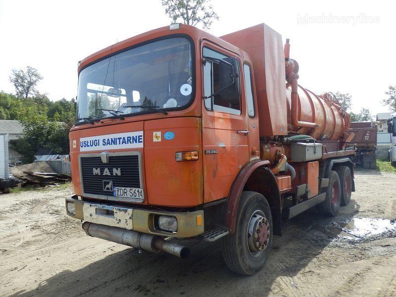MAN 26.240 6x6 camión de vacío