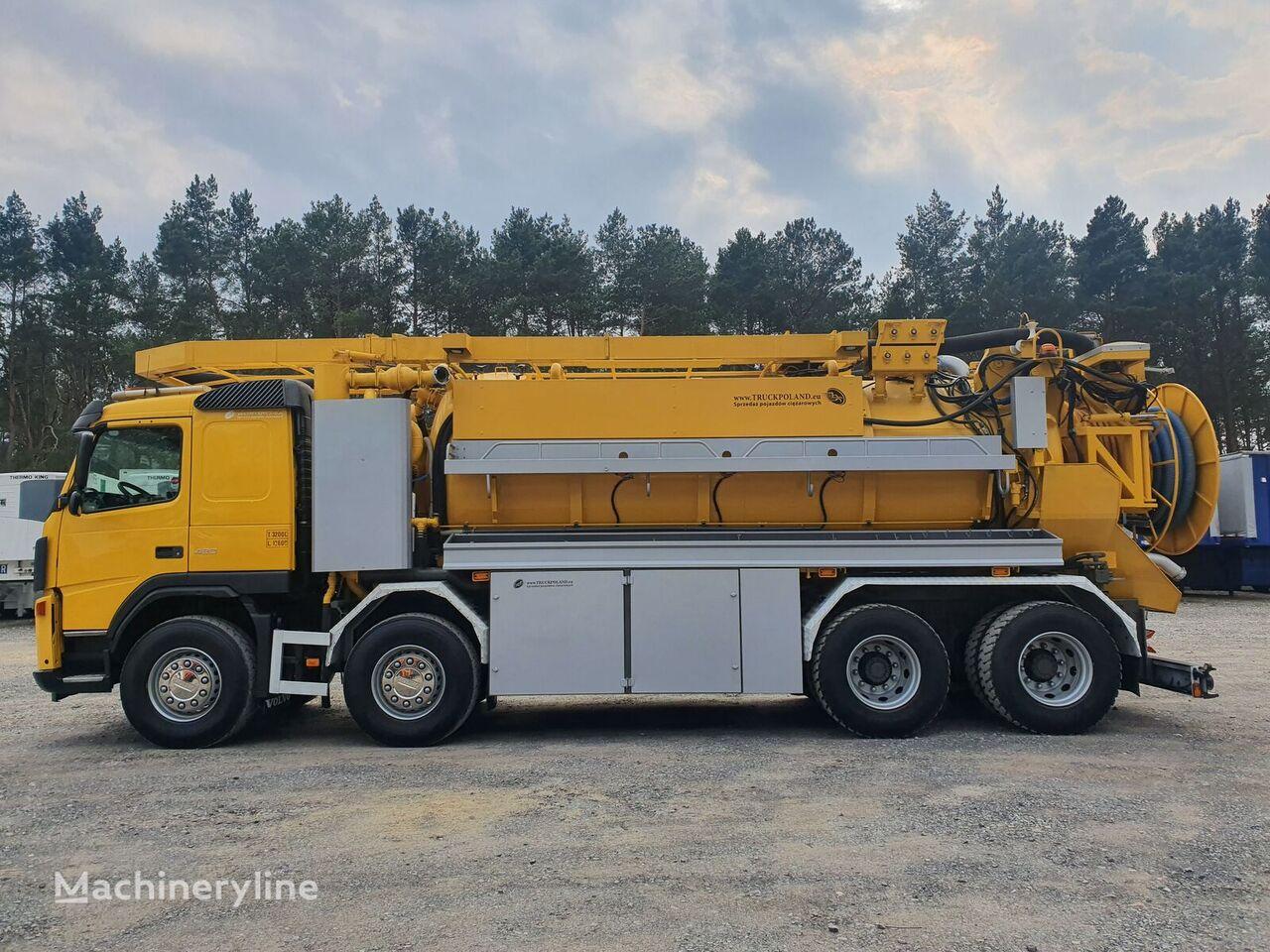 VOLVO FM WUKO ADR LARSEN FlexLine 414  do zbierania odpadów płynnych camión de vacío