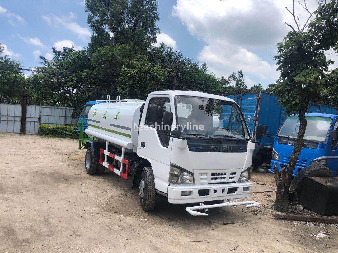ISUZU camión rociador de agua