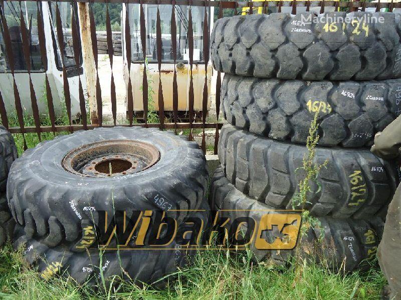 16/24 (10/28/21) neumático de cargador de rueda