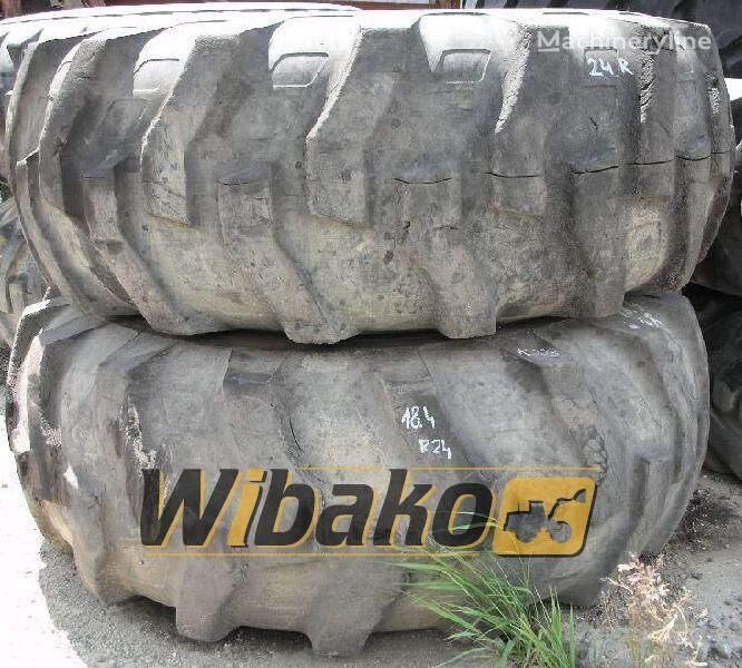 18.4/24 (10/28/24) neumático de cargador de rueda