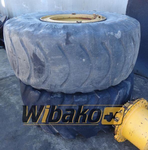 23.5/25 (19/45/13) neumático de cargador de rueda