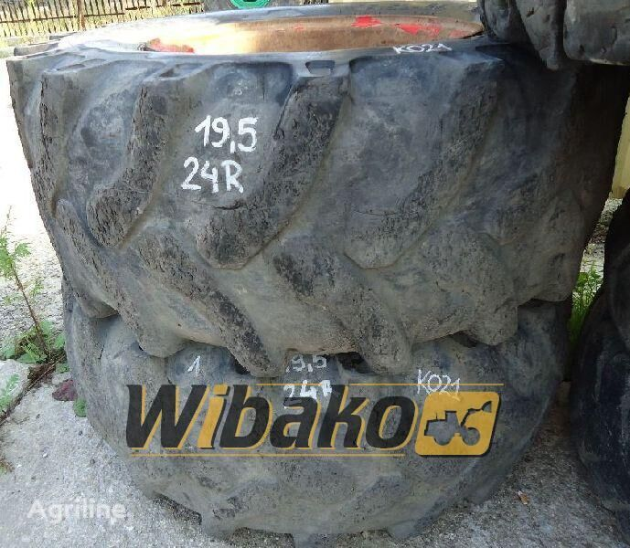 19.5/24 (10/28/25) neumático de tractor