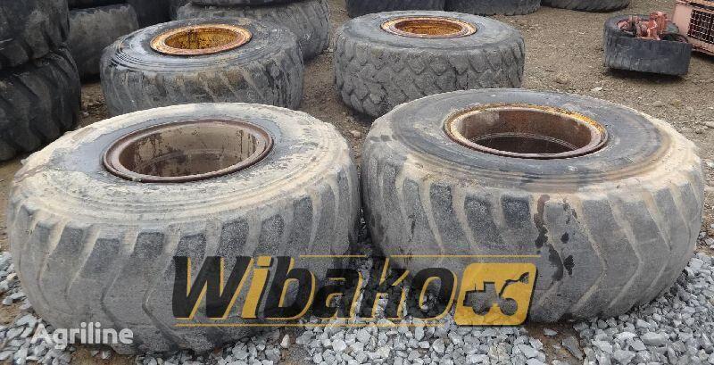 23.5/25 (12/37/31) neumático de tractor