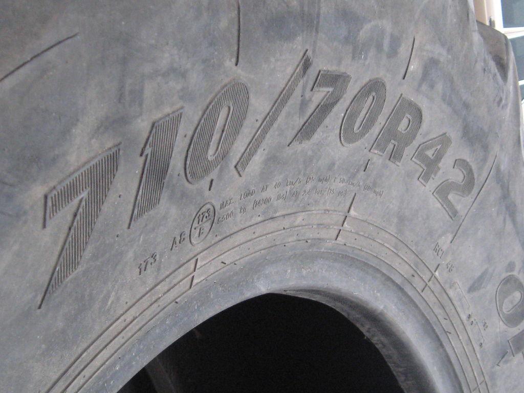 neumático para cosechadora CLAAS 710-42.00