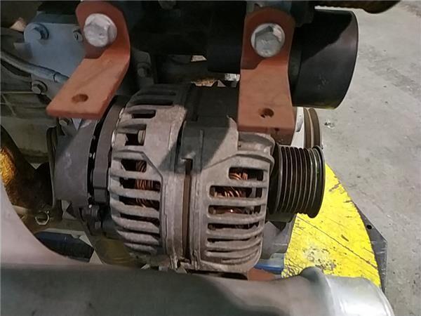 Alternador Iveco EuroCargo tector Chasis     (Modelo 100 E 18) [ (4892320) alternador para IVECO EuroCargo tector Chasis (Modelo 100 E 18) [5,9 Ltr. - 134 kW Diesel] camión